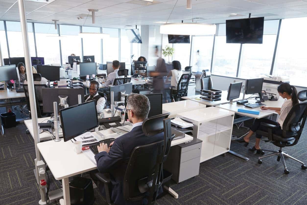 gestion parc informatique ordinateurs bureau