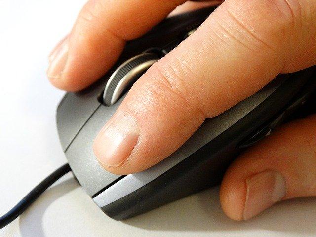 Comment bien tenir sa souris pour jouer ?