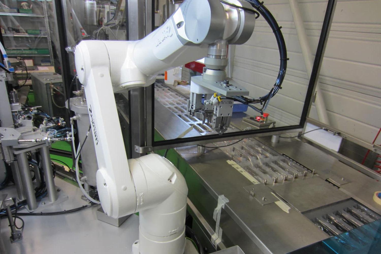 Les usines font de plus en plus appel à la robotique